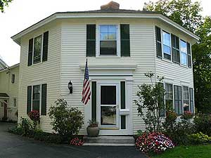 Pressey House Lakeside Bed & Breakfast